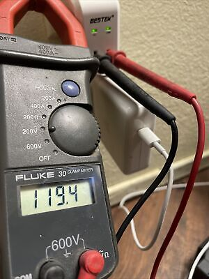 Fluke 30 Clamp Meter 600v 400a Cat Iii Leads Digital Multimeter Voltage Tester