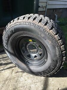 5  x 265/75 x 16 GLADIATOR MT 4WD Tyres on ROH Black Trak2 rims Bowral Bowral Area Preview