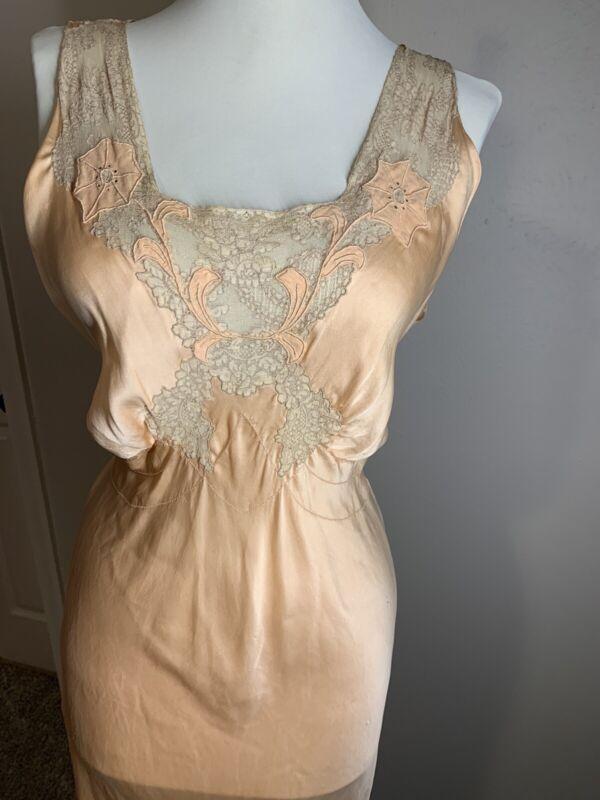 1920-30`s Peach Silk Bias cut Slip Dress / Negligee Lace Night Gown Peignoir