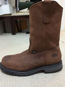 Brand new safety boots price reduced only $ 80