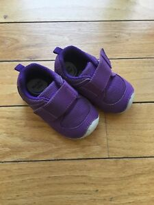 Stride Rite Soft Motion Shoe