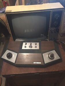 Pong game with b/w tv