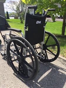 Chaise roulante Drive / peu utilisée