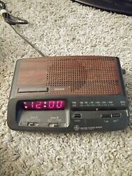Vintage, GE General Electric 7-4621 A Red Led AM-FM Dual Alarm Clock Radio
