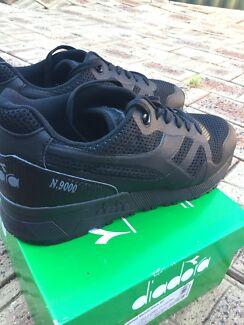 Triple black Diadora N9000 Sneaker