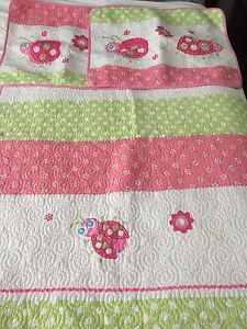 Lady bug quilt and 2 shams