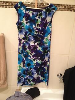 Size 10 beautiful printed summer dress with cap sleeves Clayton Monash Area Preview