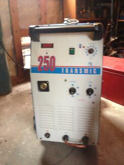 CIGWELD 250 MIG Welder in very good condition - $1,200 ONO