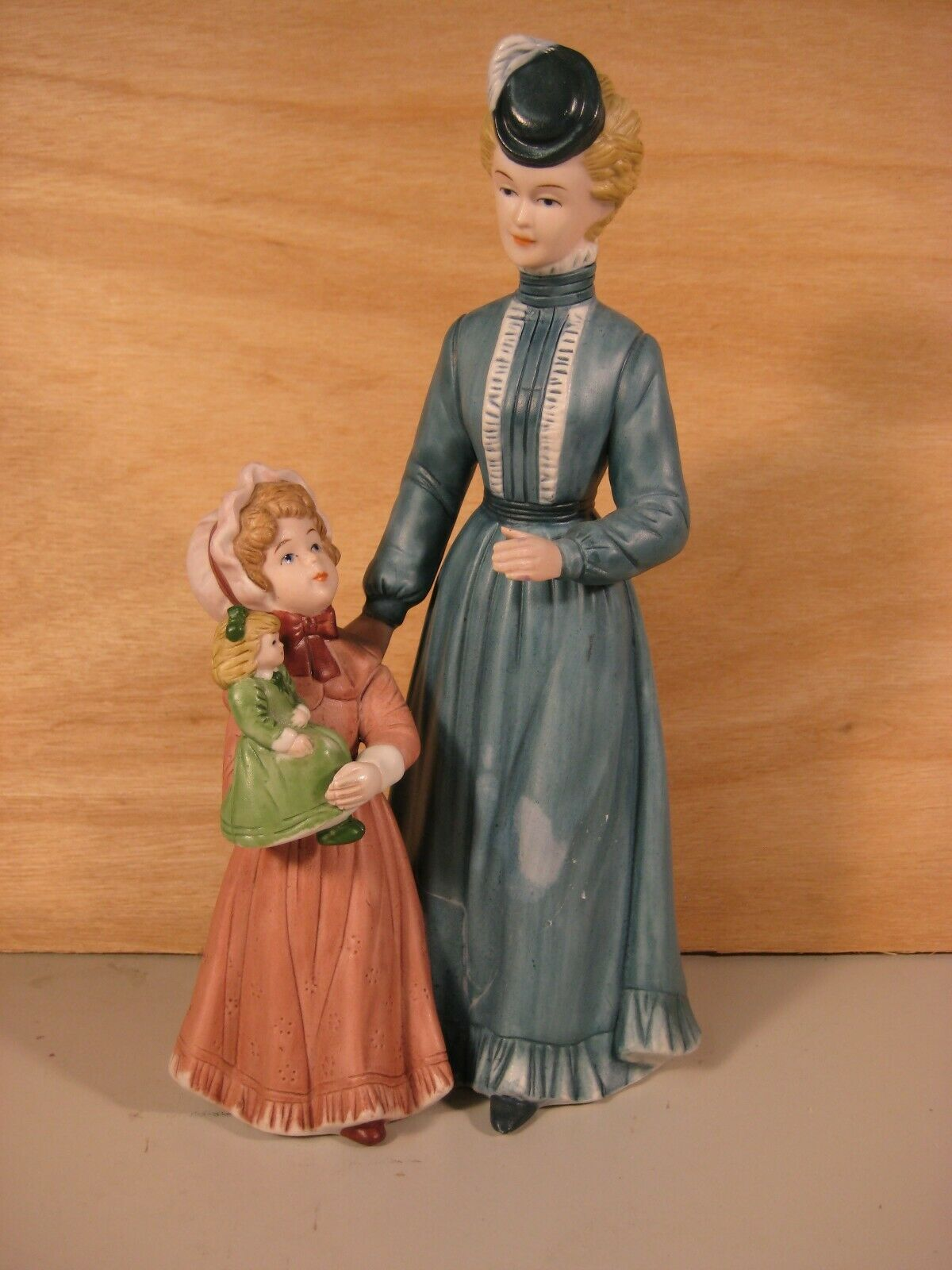 8812 Sunday Stroll Homco Victorian Style Mother And Child Figurine - $19.75