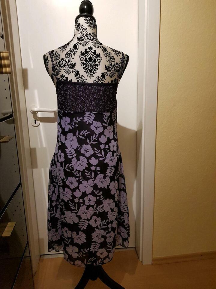Kleid Sommerkleid in Maxdorf