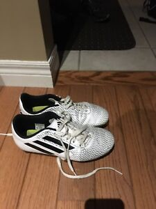 Adidas soccer shoes size 6