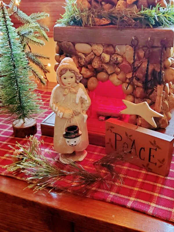 VINTAGE☆ BETHANY LOWE☆DECOR ☆COLLECTIBLES☆HOLIDAY☆FIGURINE☆CHRISTMAS☆HOLIDAY