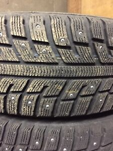 225 60R16 Kumho studded winter tires with rims