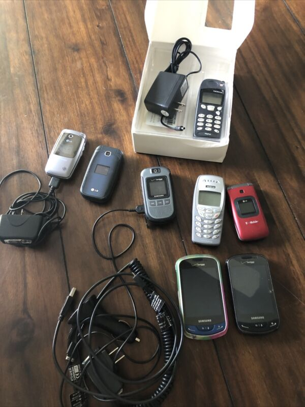 Lot Of 8 Old Vintage Cell Phones Untested LG Nokia Verizon Flip Chargers Samsung