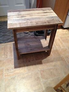 Pallet night stand / end table