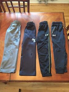 Boys size small Under Armour Pants