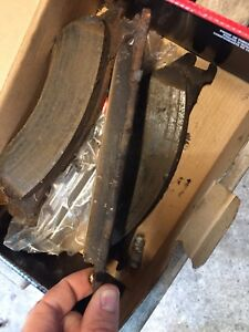 Barely used brake pads 2002 dodge ram front 1500