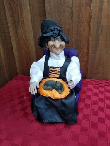GEMMY Animated Witch Petting Cat Lights Up Cackles  Halloween Witch Vintage