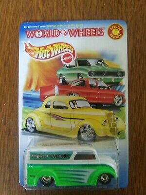 Hot Wheels WORLD OF WHEELS  DAIRY DELIVERY REAL RIDERS