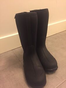BOGS boots size 9