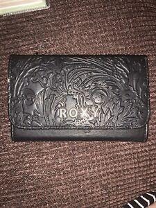 Roxy woman's black wallet