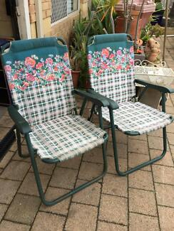 2 Metal Folding Garden Chairs