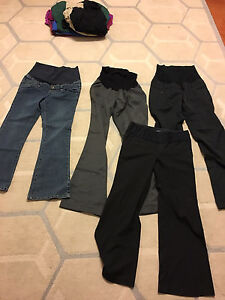 4 pairs of maternity pants (2 new) size small and medium
