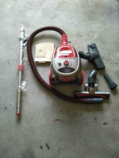 Hoover Vacuum in good and clean condition