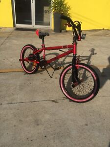 Kids bmx bike with pegs good cond