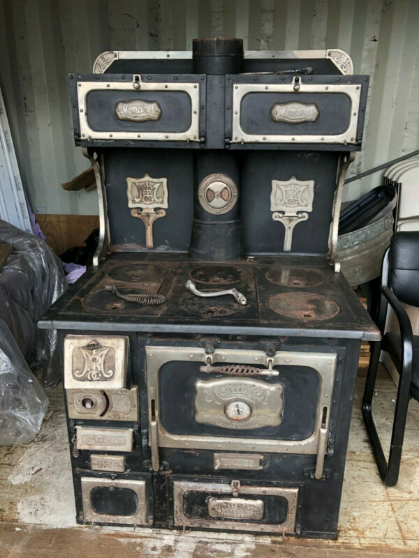 Monarch Wood Cook Stove - Beautiful Antique