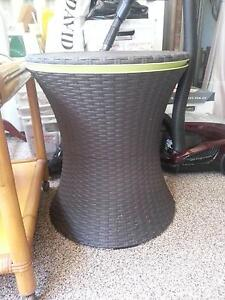 Sturdy table esky Pennant Hills Hornsby Area Preview