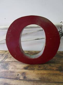 D11078 Metal Red Teal Letter O Industrial Wall Decor