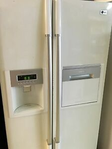 LG 567L DOUBLE DOOR FRIDGE FREEZER WITH WATER AND ICE Southport Gold Coast City Preview