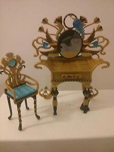 MONSTER HIGH DOLL VANITY WITH CHAIR AND BRUSH