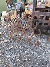 Rustic  metal horse shoe wine rack bottle holder Joyner Pine Rivers Area Preview