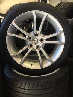 "19"" VE Commodore Factory Alloy Wheels and Tyres"