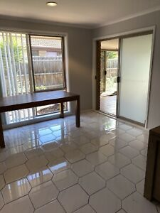 3 bedrooms in Hoppers Crossing close to Plaza for $370