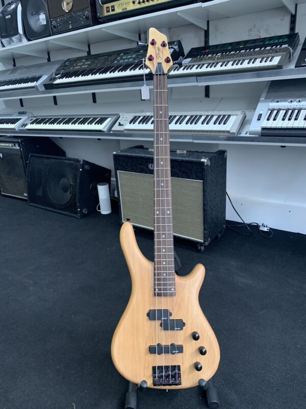 Stagg Fusion electric 4 String bass guitar natural BC300-NS