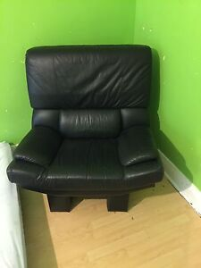 Fab black leather soft comfy armchair BARGAIN Chatswood Willoughby Area Preview