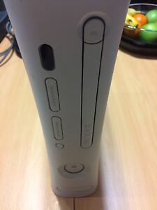 Xbox 360 very good condition 50$