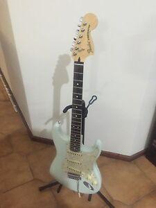 Fender Deluxe Roadhouse Stratocaster Leda Kwinana Area Preview