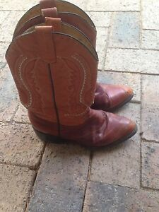 Authentic vintage Mexican leather cowboy/girl boots Trinity Park Cairns Area Preview