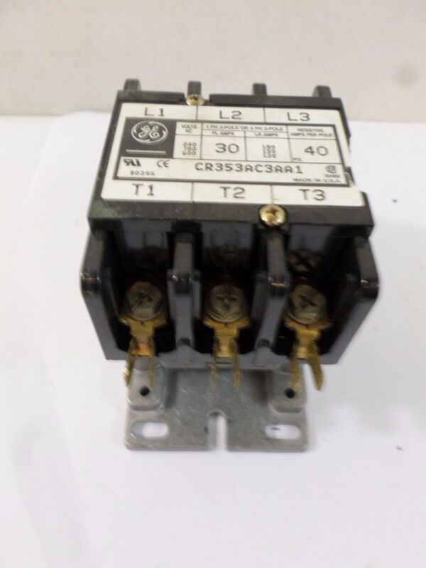 General Electric Contactor 30 Amp Cat: CR353AC3AA1
