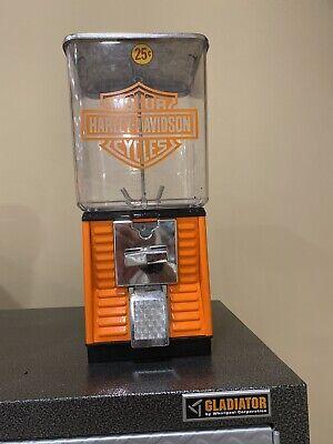 Vintage Harley Davidson Bubblegum/Candy machine--25 cent----works & has key