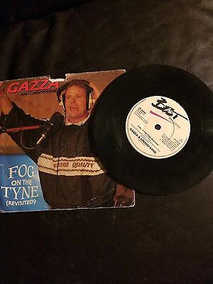 SINGLE 45 RPM RECORD - FOG ON THE TYNE BY GAZZA & LINDISFARNE 1990 (P.GASCOIGNE)