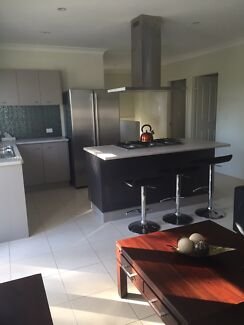 Room vacant-NO BOND-All Bills included-International Students Woolloongabba Brisbane South West Preview