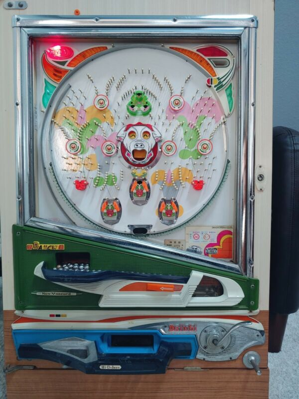 "Colorful Fun to Play 1975 Vintage Daiichi ""Lillies"" Pachinko Machine"