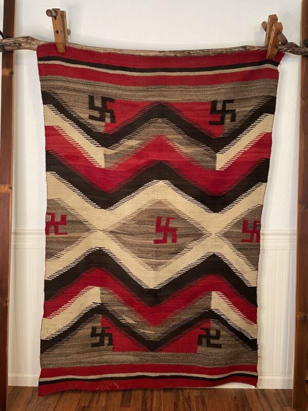 VINTAGE WEAVING BLANKET RUG AMERICAN INDIAN NAVAJO GERMANTOWN WHIRLING LOG