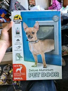 Pet door dog door
