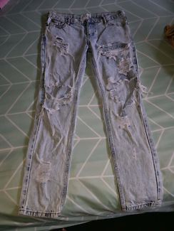 """One teaspoon"" distressed jeans. Size 28"